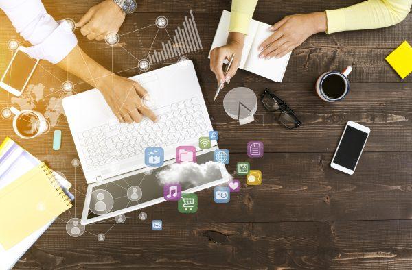 Empresas investem em Marketing Digital para alavancarem seus negócios em meio à crise.